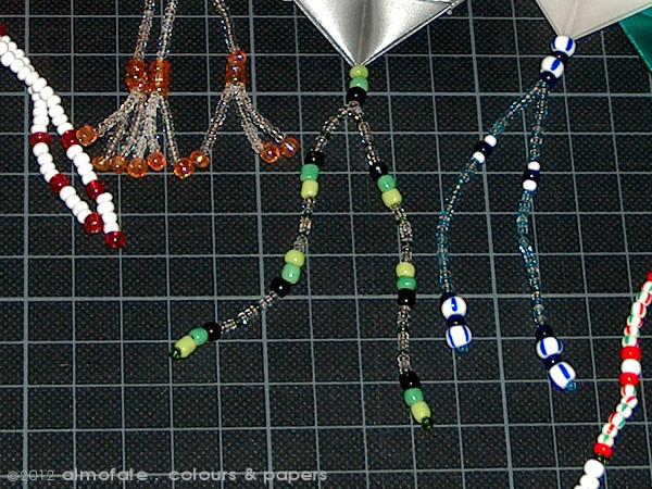 @ Almofate - Christmas Decorations, Beads Detail _ Decorações de Natal com Missangas, Pormenor