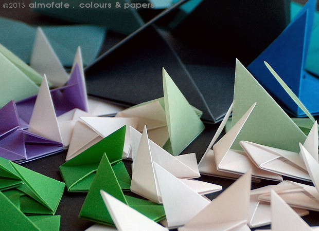 @ Almofate - Modular Origami _ Different colours and sizes _ Diferentes cores e dimensões