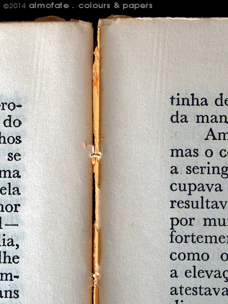 @ Almofate - Old book-block to repair, detail _ Corpo de livro antigo para reparar, pormenor